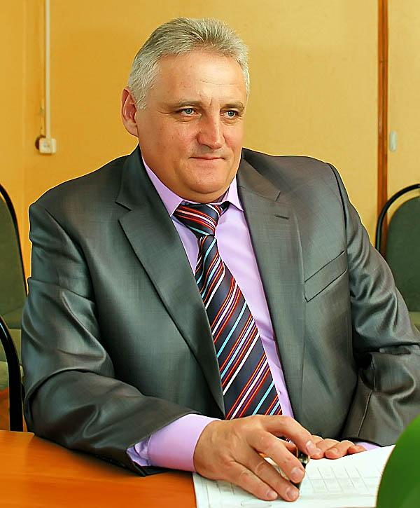 О досрочном прекращении полномочий главы муниципального образования Суворовский район